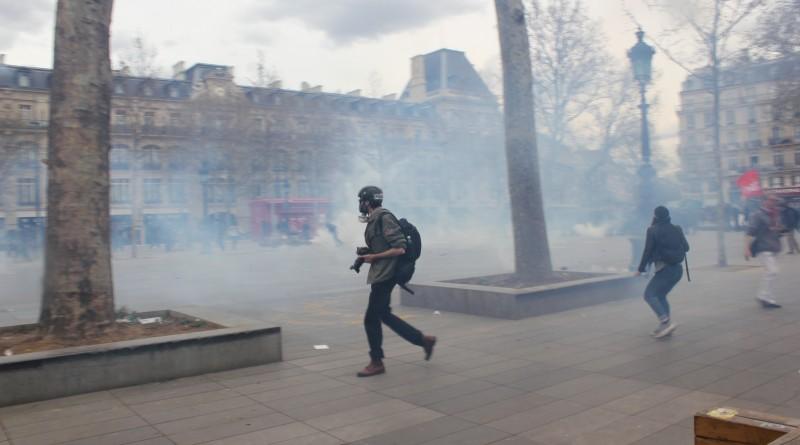14 abril represión con gases contra nuit debout
