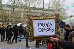 24 abril museo afuera nuit debout