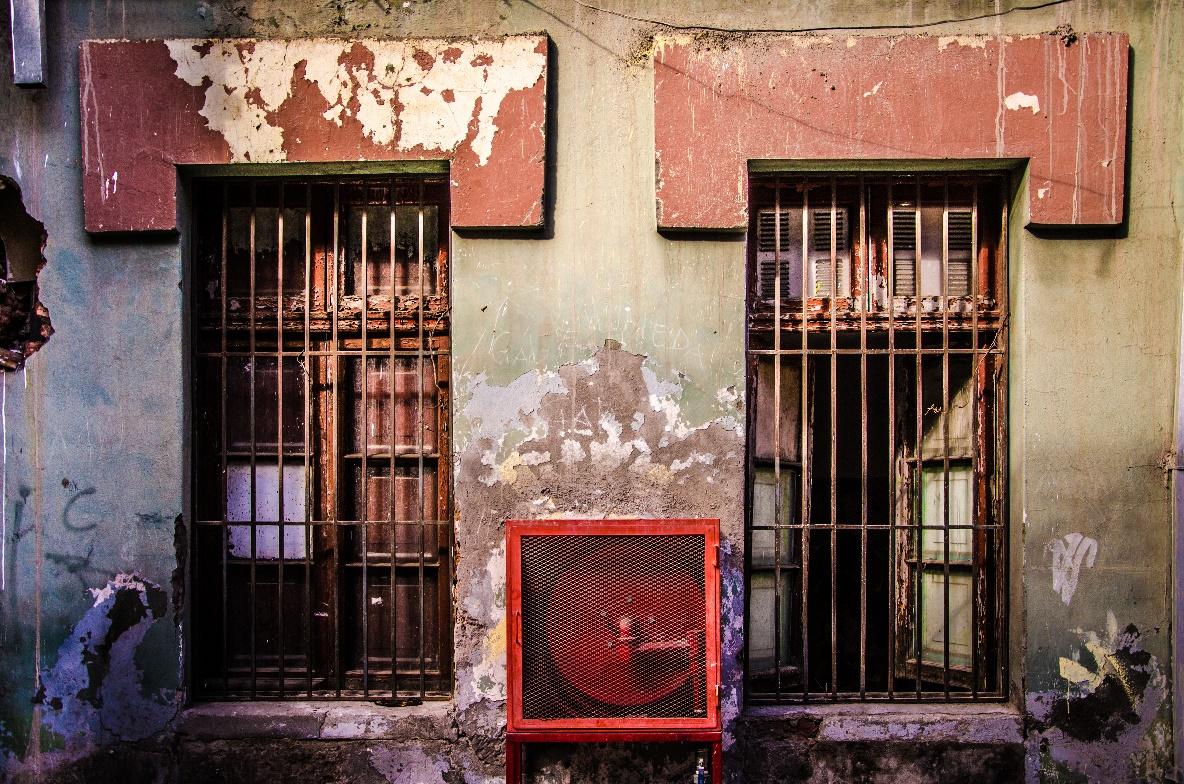 Terremotos y la amenaza al patrimonio urbano de los cités en Santiago