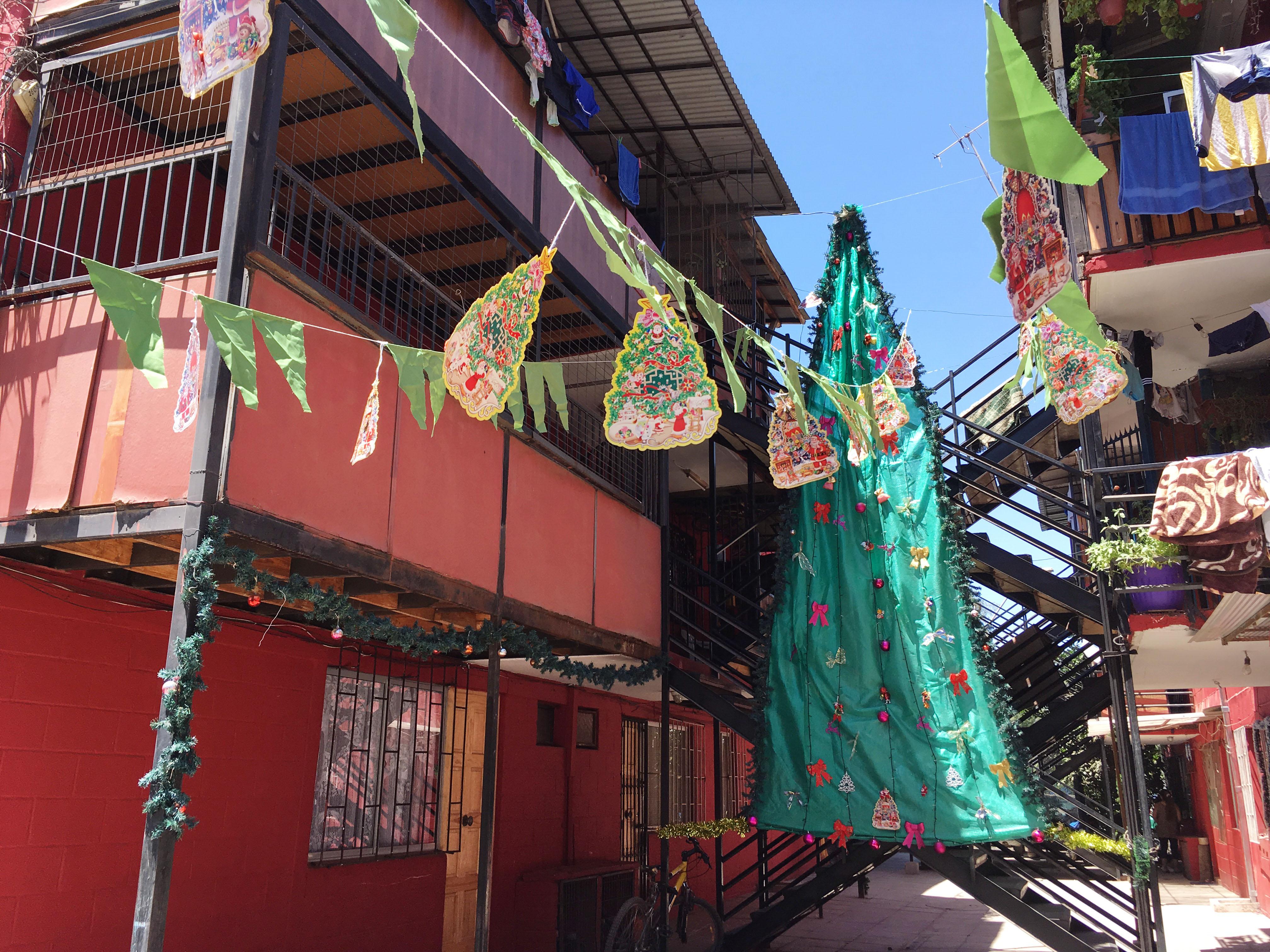 Foto-ensayo colectivo INVItro: Visión de la ciudad en Navidad