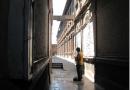 """Primer lugar convocatoria de columnas: """"Patrimonio urbano como salvapantallas: la habitabilidad precaria que esconden las fachadas históricas de Santiago"""""""