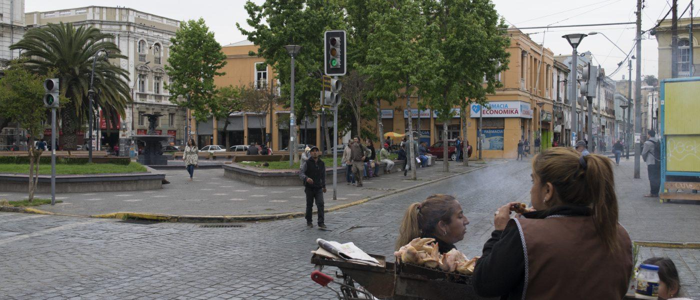 Ganadora Tercer lugar concurso Foto-ensayo 2019: Re-significar un barrio deteriorado: las mujeres que habitan el Barrio Puerto de Valparaíso